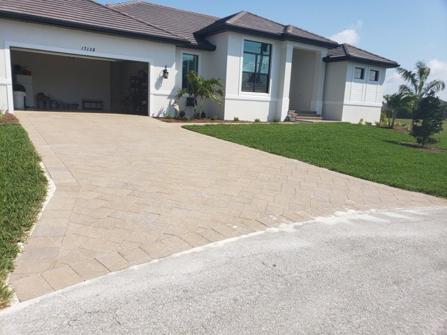 Home near Villas, FL 33907 before getting its brick pavers sealed.