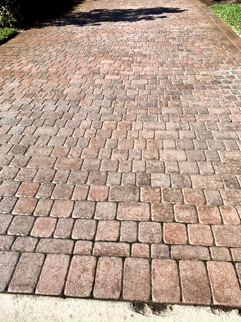 Driveway in Paseo, Fort Myers before paver restoration